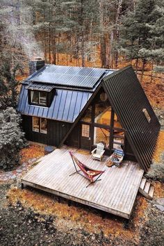 — – heres my dream house – @ – here is my dream house My dream home. # dream house made of wood in the mountains. Tiny House Cabin, Tiny House Living, Tiny House Design, Cabin Homes, Tiny House Office, Building A Tiny House, Tiny Homes, Living Room, Casas Containers