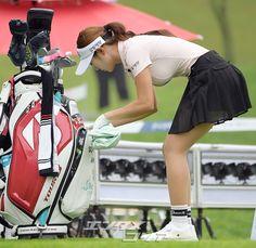 Girls Golf, Ladies Golf, Mens Golf Fashion, Girl Golf Outfit, Sexy Golf, Golf Wear, Sport Body, My Yoga, Beauty Full Girl