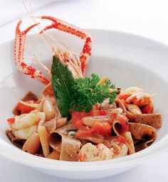 Tagliatelle de pinhão com lagostim