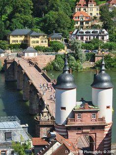 Die Alte Brücke, Heidelberg Germany.