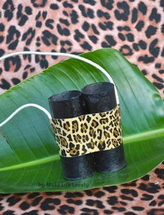 I am in full panic party planning mode for my sons Jungle Safari birthday party this weekend and I wanted to share with you an easy party favor I came up with that cost m. Jungle Crafts, Vbs Crafts, Crafts To Do, Crafts For Kids, Safari Crafts Kids, Preschool Crafts, Safari Birthday Party, Jungle Party, Jungle Snacks