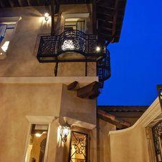 Stucco Exterior Design Stucco Colors, Exterior Colors, Exterior Design, Interior And Exterior, Stucco Homes, Stucco Exterior, Home Design Decor, Design Ideas, House Design