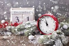 Christmas Paper, Christmas And New Year, Winter Christmas, Christmas Time, Christmas Wreaths, Xmas, Happy New Years Eve, Happy New Year 2019, Christmas Scenery