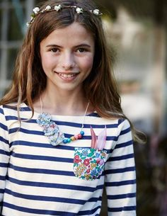 Stripy Boat Neck 31831 Essentials at Boden What Is Spring, Boat Neck, T Shirts, Crochet Necklace, Kids Fashion, Floral, Competition, Bloom, Essentials