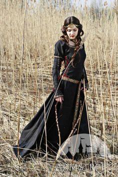 Robe de style médiéval de coton « Chasseresse » ArmStreet j'aime les manches