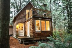 Small house design ideas tiny house movement small cabins ideas with designs like a pile of brick wall great small home office design ideas pictures Tiny Cabins, Cabins And Cottages, Tiny Cabin Plans, Small Cottages, Log Cabins, Rustic Cabins, Small Cottage Plans, Small Cottage Homes, Cottage Ideas