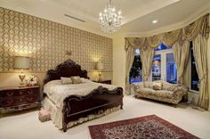 Today, we have made a photo collection of several Fascinating French Style Bedroom Designs that you can draw an inspiration from for your own bedroom design French Home Decor, French Country Decorating, French Chateau Homes, Bedroom Sets, Bedroom Decor, French Interior Design, Awesome Bedrooms, Beautiful Bedrooms, Decorating Your Home
