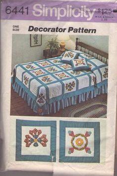 MOMSPatterns Vintage Sewing Patterns - Simplicity 6441 Vintage 70's Sewing Pattern BEAUTIFUL Retro Quilt Squares Comforter Blanket Throw Pillows Motif Patterns One Size Simplicity Sewing Patterns, Vintage Sewing Patterns, Clothing Patterns, Craft Patterns, Quilt Patterns, Quilted Bedspreads, Pillow Forms, Vintage Quilts, Applique Quilts