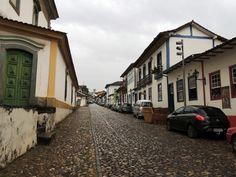 Ladeira Padre Gonçalves Lopes - Caminho para a Praça Minas Gerais, onde estão as duas famosas igrejas de Mariana.