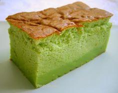 Peng's Kitchen: Pandan Magic Custard Cake