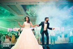 Unique Bridal Entry Ideas to make it grand this Wedding Season (UPDATED)! Wedding Photoshoot, Wedding Shoot, Wedding Couples, Wedding Night, Mehndi Designs, Lehenga Designs, Wedding Looks, Bridal Looks, Indian Wedding Photography
