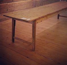 Wunderschöner Gesindetisch um 1830 Weichholz ÜBERLÄNGE! Länge 380 m!! Tiefe 75 cm #gesindetisch #38mlang #um1830 #langertisch #tisch #antiqueshop #longtable #antikschwarzwald #blog