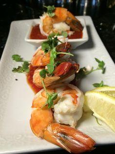 Jumbo Black Tiger Shrimp with Cocktail Sauce! Tiger Shrimp, Healthiest Seafood, Cocktail Sauce, Black Tigers, Cocktails, Drinks, Sea Food, Prawn, Shrimp Recipes