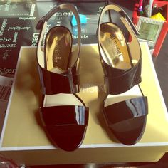 Authentic Michael Kors brand new size 6M Very cute shoes never worn,in box Michael Kors Shoes Heels