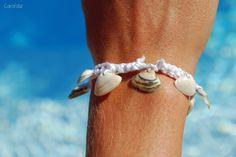 Fermer son bracelet avec un coquillage