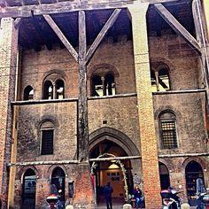 """""""A dominare l'ingresso su Strada Maggiore, una delle vie principali di Bologna medievale, si trova il portico di Casa Isolani, una delle testimonianze più interessanti dell'architettura romanico-gotica bolognese"""" - Instagram by cinziaf_"""