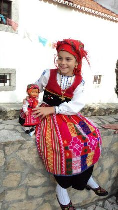 Minho, Portuguese Culture, Poses References, Kingdom Of Heaven, Azores, People Of The World, 4 Kids, Art History, Costumes