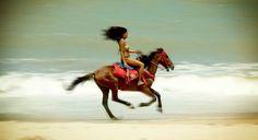 I wanna ride horses on the beach so bad!!