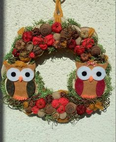 Őszi ajtódísz baglyokkal Door Wreaths, Christmas Wreaths, Holiday Decor, Fall, Home Decor, Christmas Swags, Fall Season, Wreaths, Autumn