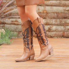 Tegala Taba Rengi Desenli Diz Altı Western Çizme  #brown #heels #longboots #boots #western #kahverengi #topuklu #çizme #kovboy Western Boots, Cowboy Boots, Tabata, Shoes, Fashion, Moda, Zapatos, Shoes Outlet, Fashion Styles
