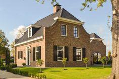 Rijssen Farmhouse Remodel, Painted Floors, Floor Finishes, Pool Houses, Ibiza, Rustic Decor, Modern Farmhouse, Beautiful Homes, Villa