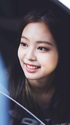 Blackpink in your area. Blackpink Jennie, Yg Entertainment, K Pop, Wattpad, South Korean Girls, Korean Girl Groups, Blackpink Wallpaper, Divas, Black Pink