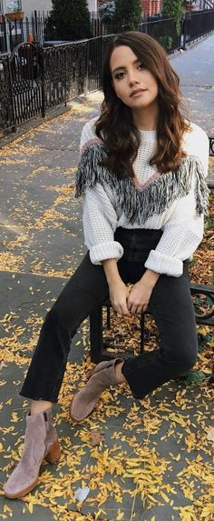 #fall #outfits white sweater black jeans beige boots