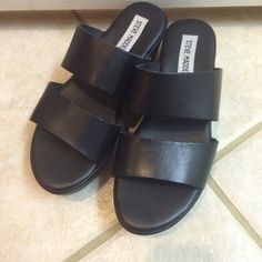 Steve Madden Platform Sandal -Steve Madden Platform Sandal -Used less than five times -Great condition (no damage, look like new)  I am happy to consider trade! I will only trade with  Vegan brand/ Vegan material products (faux leather, man maid material...etc) Steve Madden Shoes Sandals