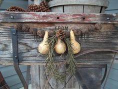 Primitive-Christmas-holiday-gourd-garland-black-walnuts-pinecone-greenery