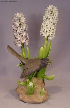 Rare Boehm Bird Porcelain Catbird (with Hyacinth) # 483