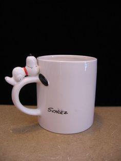 Vintage Charles Schulz Peanuts Ceramic Snoopy Coffee Mug Snoopy laying on Handle