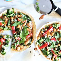 Thai Veggie PizzasThese Thai Veggie Pizzas are perfect for a meatless Monday meal, or any day of the week. Veggie Pizza, Natural Peanut Butter, Collard Greens, Peanut Sauce, Meatless Monday, Shredded Chicken, Whole Food Recipes, Meal Prep, Clean Eating