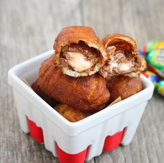 Have you ever wondered what a deep fried Cadbury egg tastes like? Well I had that thought the other day, so I decided to find out. Maybe it's the sweet tooth talking, but these came out pretty freaking fantastic. I think I like eating cadbury eggs better this way than eating them plain. It basically …