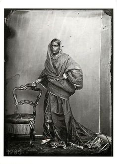 Indian Woman in a Zenana (Harem) in Jaipur - 1859 - Old Indian Photos: Jaisalmer, Udaipur, Jaipur India, Vintage Photographs, Vintage Images, Colonial India, Royal Indian, Indian Look, Vintage India