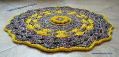 Crochet Rag Rug. Charts/Explanations: http://helenacc.blogspot.com.br/2013/07/tapete-e-cestinho-de-leques.html