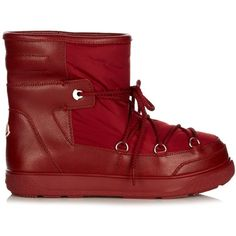 Moncler Fanny quilted après-ski boots ($300) ❤ liked on Polyvore featuring shoes, boots, dark red, quilted shoes, ski shoes, cushioned shoes, dark red boots and slip on boots