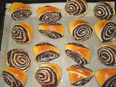 Mákos háromszög recept lépés 6 foto Hungarian Recipes, Small Cake, Mango, Muffin, Breakfast, Sweet, Food, Breads, Deserts