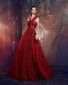 Elie Saab, Marchesa, Red Fashion, Fashion Outfits, Western Gown, Vogue, Haute Couture Dresses, Queen Dress, Fantasy Dress