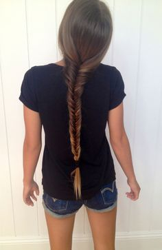 I wish my hair was this long so I could fishtail braid it like that