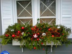 20 Easy Holiday Window Box Ideas ~ Page 2 of 22 ~ Bless My Weeds Winter Window Boxes, Christmas Window Boxes, Christmas Urns, Outside Christmas Decorations, Christmas Planters, Christmas Projects, Christmas Home, Christmas Wreaths, Holiday Decor