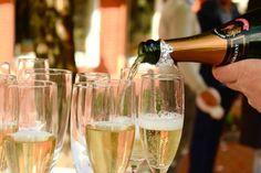Ученые: Шампанское может улучшить качество сексуальных отношений http://actualnews.org/exclusive/214088-uchenye-shampanskoe-mozhet-uluchshit-kachestvo-seksualnyh-otnosheniy.html  Результаты исследований, проведенных американскими учеными, показали, что бокал шампанского может улучшить качество сексуальных отношений. По мнению специалистов, игристый напиток оказывает положительное влияние на продолжительность мужской эрекции.