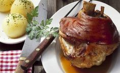 Bavarian-style pork knuckle with potato dumplings recipe : SBS Food Pork Recipes, Cooking Recipes, Pork Meals, Potato Dumpling Recipe, Braised Red Cabbage, Sbs Food, European Cuisine, Czech Recipes, Deserts