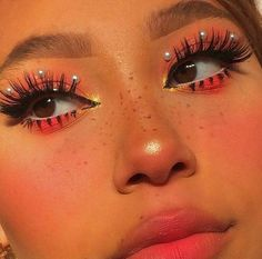aesthetic makeup hearts Image in makeup collection by - on We Heart It Makeup Without Eyeliner, Makeup Eye Looks, Cute Makeup, Glam Makeup, Pretty Makeup, Skin Makeup, Makeup Inspo, Eyeshadow Makeup, Makeup Art
