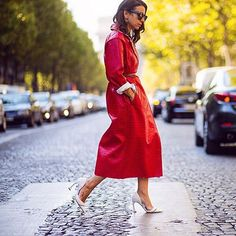 Embrace color for #fall, a vibrant coverup is a chic way to update your new season #style. #PFW #SS16 #streetstyle by @theurbanspotter