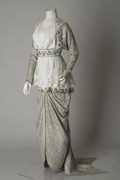 Wedding dress, 1913. Sudley House Costume Collection.