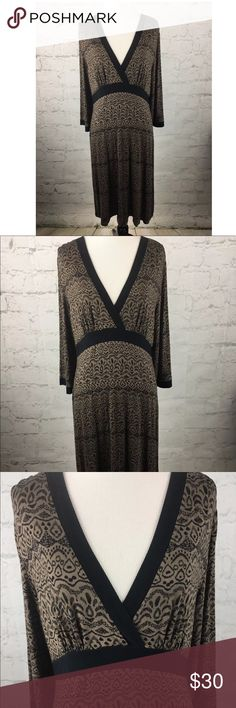 "Athleta Tribal Vneck jersey dress sz L This is a Athleta LARGE Tribal Print V-Neck Empire Waist Jersey Dress sz L. Excellent Condition    Measurements: (When laid flat)  Armpit to armpit: 21""  Top of shoulder to bottom: 41""   Product material:  95% Viscose  5% Elastane Athleta Dresses"