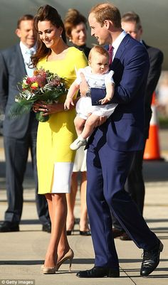 G'day Australia! Kate wore yellow - one of Australia's national colours - as the Cambridges touched down in Sydney #katemiddleton #princegeorge