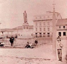 Plaza de Bolívar 1880  - Vía @BogotaAntigua Japan Spring, Spring Time, Good Times, Louvre, Plaza, Building, Photography, Travel, Antique