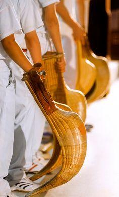 #Gernika #JaiAlai KinielaAmerikana Mañana 19h. #Cestapunta deportes más rápidos del mundo. Gratuito @GernikaJaiAlaiE Pays Basque France, Bay Of Biscay, Biarritz, Natural Blondes, Basque Country, South Of France, Spain Travel, Cuba, Culture