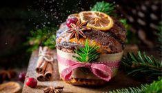 Χριστουγεννιάτικο τραπέζι με την ιδιότυπη μαεστρία των Επτανησίων! Christmas And New Year, Table Decorations, Home Decor, Ideas, Decoration Home, Room Decor, Home Interior Design, Thoughts, Dinner Table Decorations